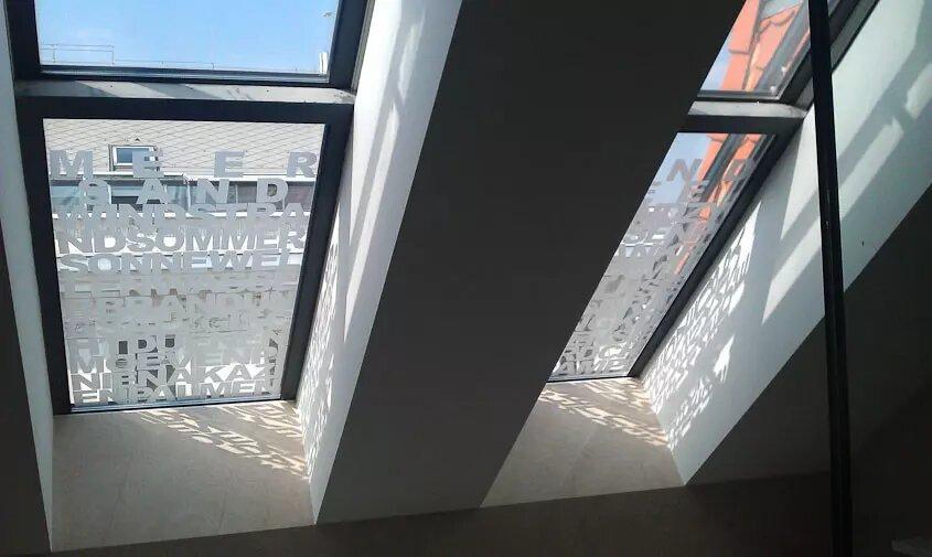 Einzelbuchstaben - Aluminium/Acrylglas Einzelbuchstaben - Karas Wiener Schilderwerkstatt