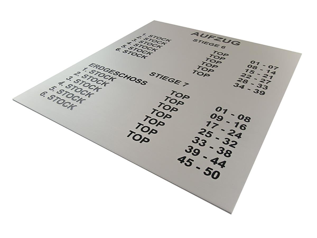 Stockwerksbezeichnung - Alu matt graviert und eingefärbt - Karas Wiener Schilderwerkstatt