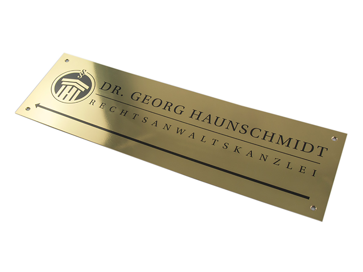 Firmenschild - Messing poliert mit Digitaldruck - Karas Wiener Schilderwerkstatt