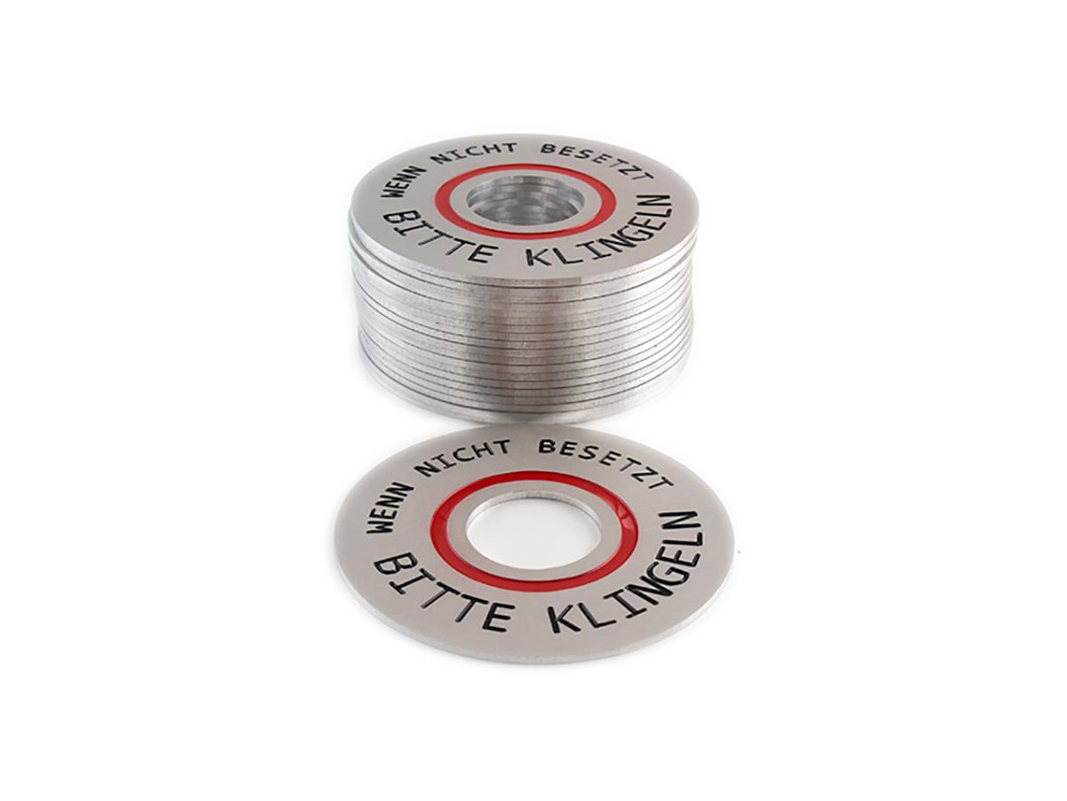 Klingelschilder - Aluminium matt graviert eingefärbt und in Form gefräst - Karas Wiener Schilderwerkstatt