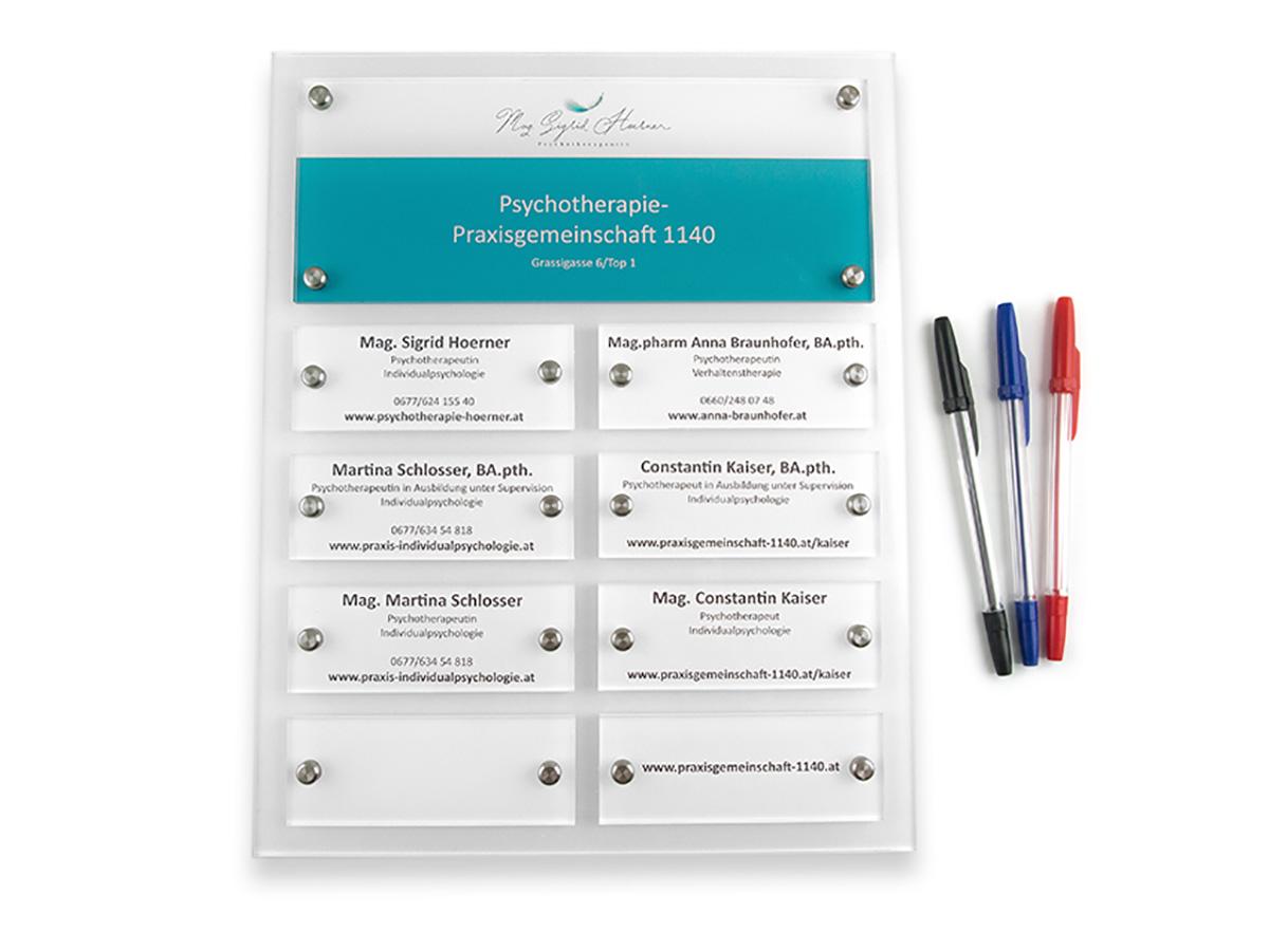 Systemschild Acrylglas mit Digitaldruck auf Aluminium Grundplatte-Karas Wiener Schilderwerkstatt