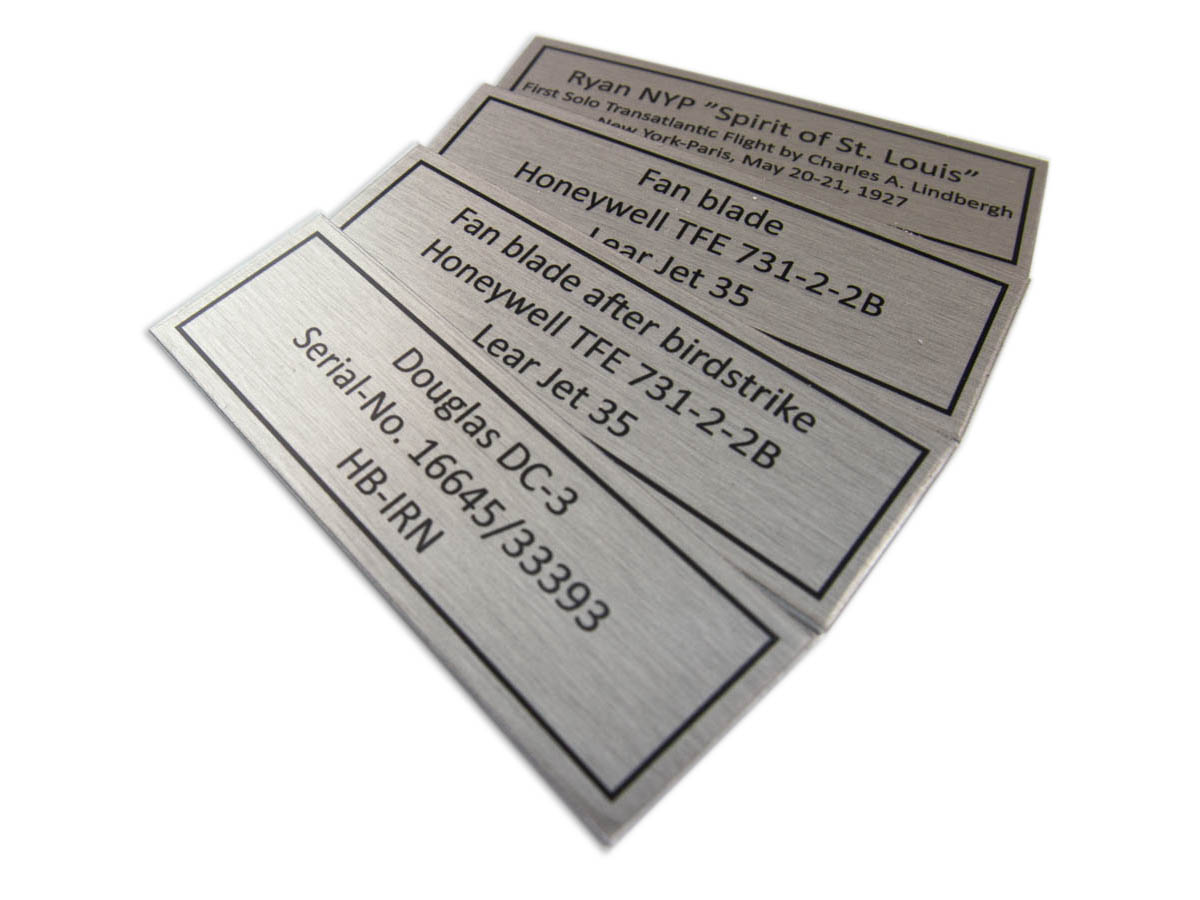 Typenschild - Aluminium Edelstahleffekt Digitaldruck -Karas Beschriftungen