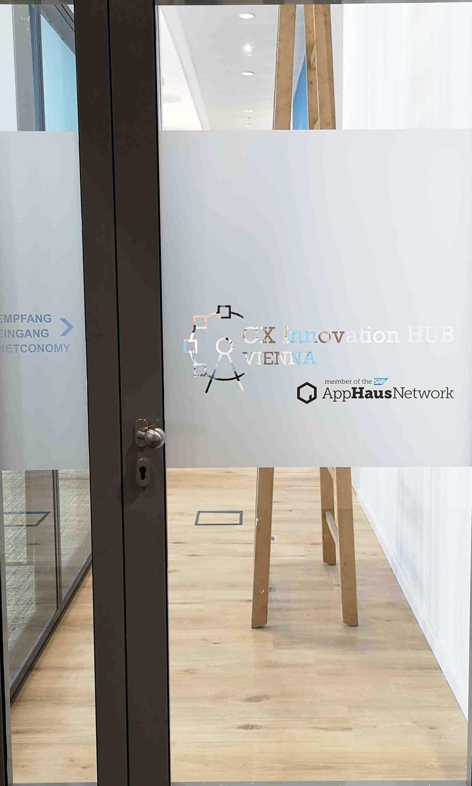 Firmenname - Folienschnitt & Digitaldruck Sichtschutz Tür -Karas Beschriftungen
